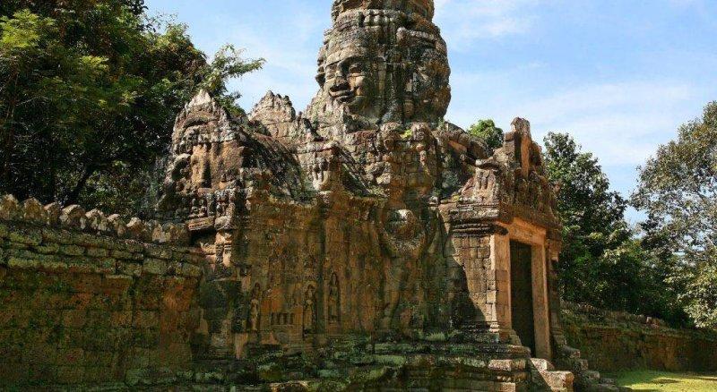 angkor-banteayw800h438 Angkor Wat 4 Day Private Tour