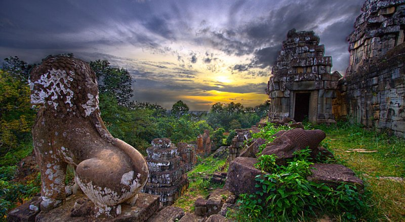 6878836383_994754e3c8_bw800h438 Angkor Wat 4 Day Private Tour